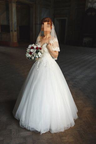 Платье свадебное срочно продам