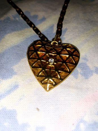 Pozłacany łańcuszek z sercem