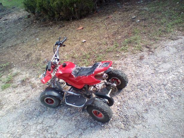 vendo mini mota 49cc so tem banco roto como se ve nas fotos só vendo