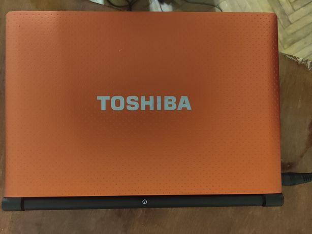 Продам нетбук Toshiba NB520 (не включается)