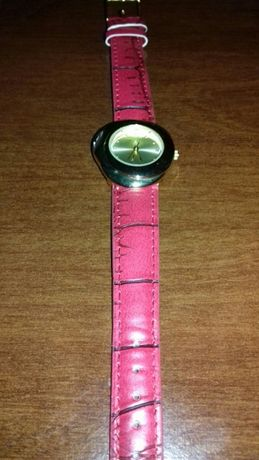 Zegarek damski firmy avon