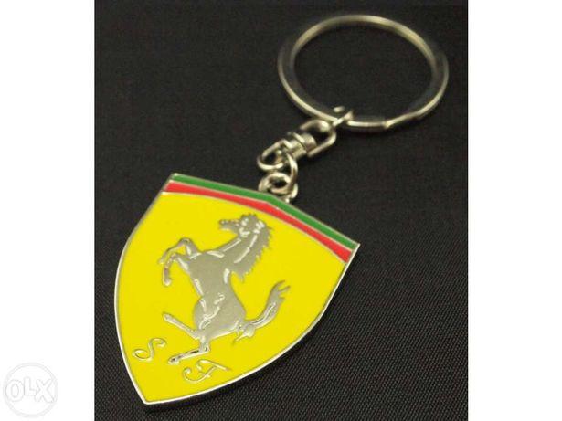 Porta chaves da Ferrari ou da Lamborghini ou da Aston Martin