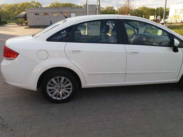 Продаж Fiat Linea 2012 у топовій комплектації. Один власник