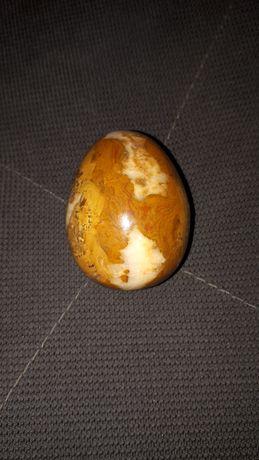 Jajko z kamienia mydlanego
