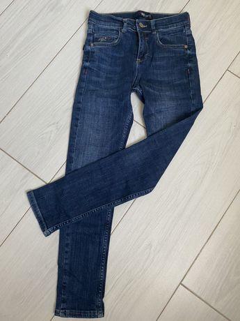 Стильные джинсы для мальчика синие