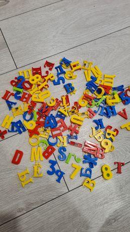 Буквы цифры на магнитах