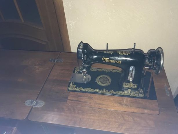 Машинка MINERVA швейная 122 чехословацкая рабочая