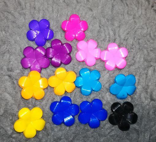 Kolczyki wkręty kwiatki 5 par + 4 gratis