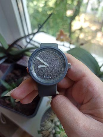 Наручные часы o clock