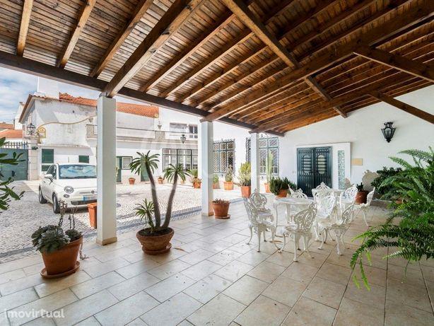 Moradia T7 com logradouro no Cartaxo, Santarém