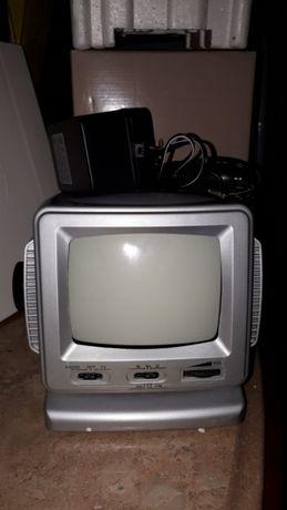 Televisão portátil e rádio