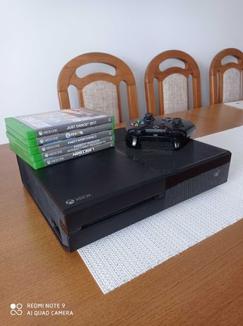 Konsola Xbox One 1TB + Kinect + 5 gier
