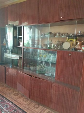 Стенка , гарнитур, шкаф для одежды, сервант, книжный шкаф
