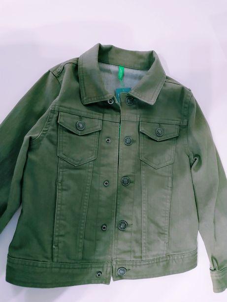 Пиджак Benetton джинсовый 4-6лет. Подойдёт для девочки и мальчика