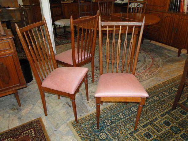 Cadeiras vintage - Bom estado geral - Valor unitário