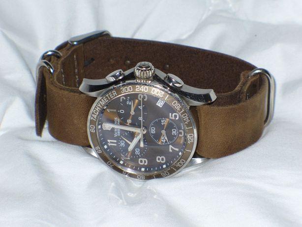 Продам часы VICTORINOX,swiss made,хронограф,на ремешке НАТО.