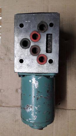 Elektrozawór / Rozdzielacz hydrauliczny (szpulowy)