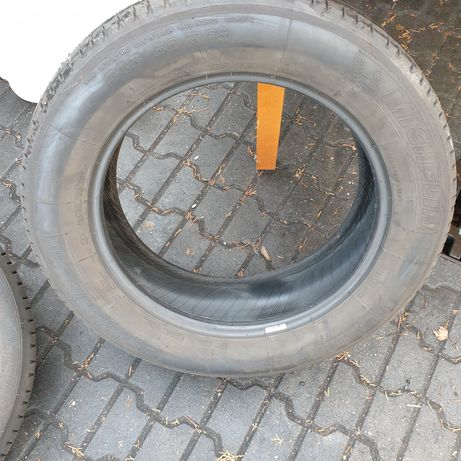 225/60/18 100v Michelin Latitude