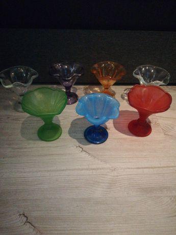 Stare pucharki szkło kolorowe