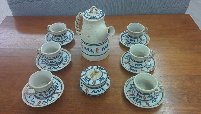 Conjunto de chávenas de café/chã com bule e açucareiro