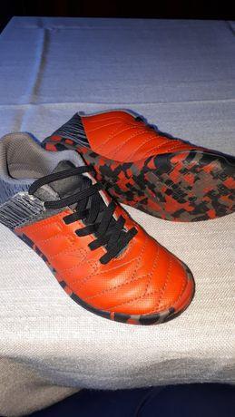 Kipsta halowki buty do piłki nożnej rozm30 wkładka 18.5 cm rzepy.