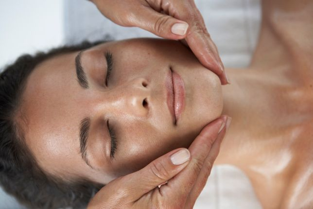 Пластический массаж лица,шеи,зоны декольте.Неинвазивная крбокситерапия