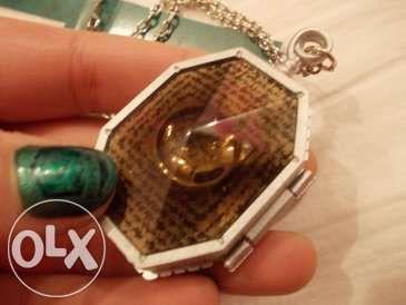 Harry Potter - Horcrux medalhão Colar + livro de autocolantes - NOVO