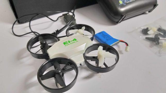 Mini drone puro divertimento para crianças