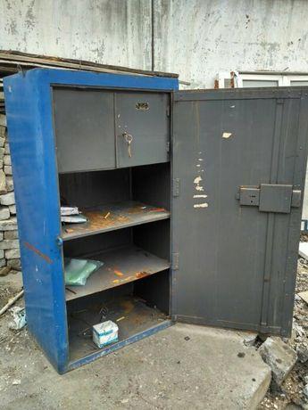 Сейф, шкаф для инструмента