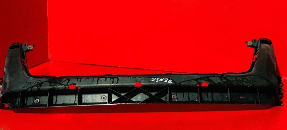 Направляющая бампера Крепления решотки Кронштейн Touareg Туарег 7Л 7L