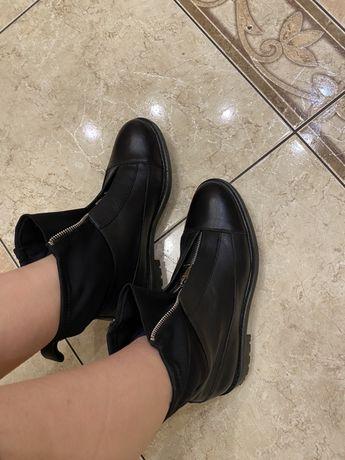 Ботинки stradivarius 40 ( типу зара)