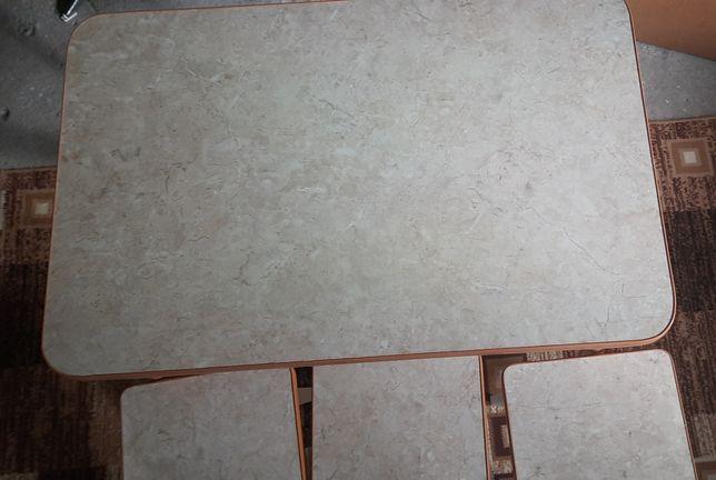 Stół kuchenny z 3-trzema taboretami
