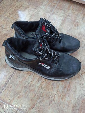 Продам кросовки подростковые кожа 39р.