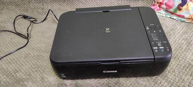 Сканер для печати копирования и сканирования фотографий.