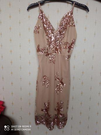 Cekinowa sukienka mini beżowa S