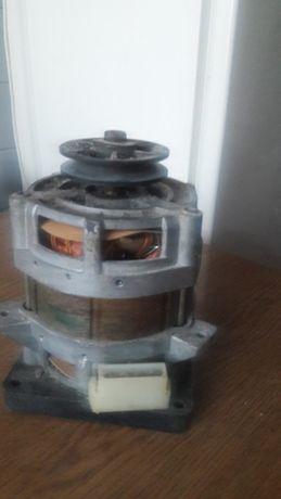 7Мотор от пральной машинки советскиз времен