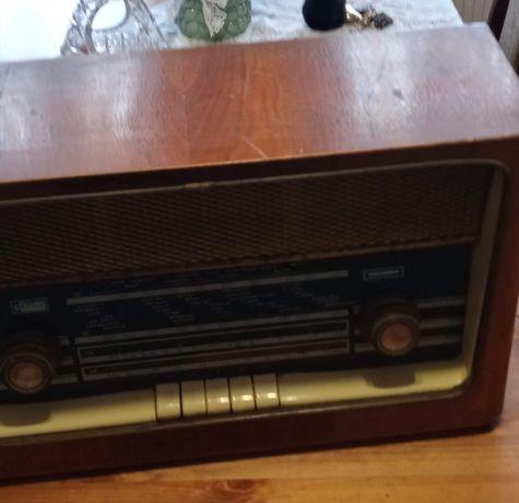 Radio brązowe  z lat 60
