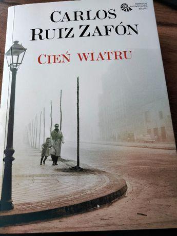 ,,Cień wiatru'' Carlos Ruiz Zafón