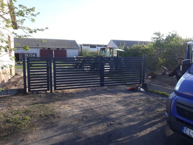 Panel ogrodzeniowy montaz paneli ogrodzeniowych I betonowych