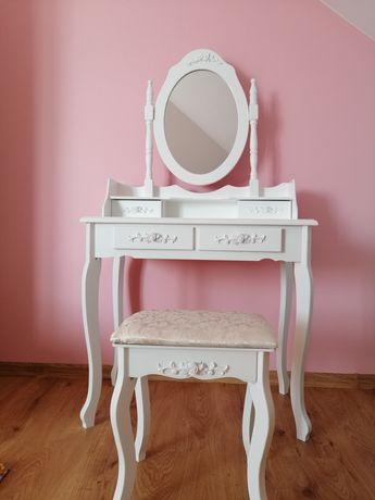 Toaletka z lustrem