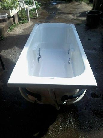 Banheira de hidromassagem para venda,como nova, com pouco uso