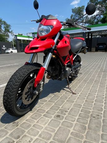 Продам мотоцикл Ducati hypermotard 796