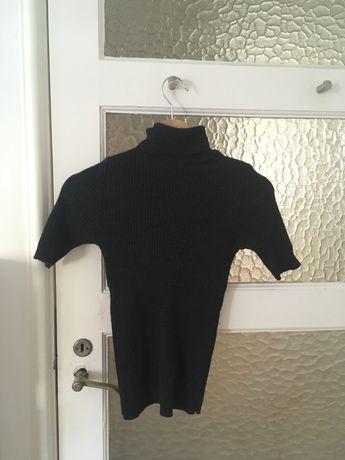 t-shirt de malha gola alta cinzenta