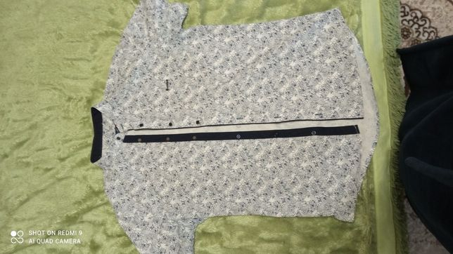 Продаю класную современную мужскую рубашку размер(L)
