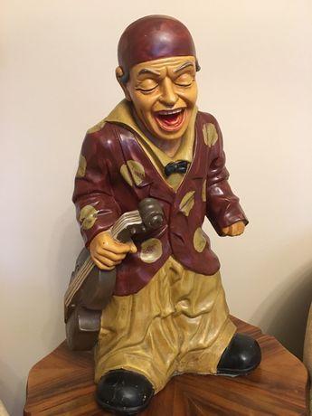 Figura ceramiczna skrzypek