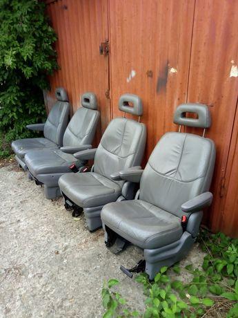 Продам шкіряні сидіння з Крайслера