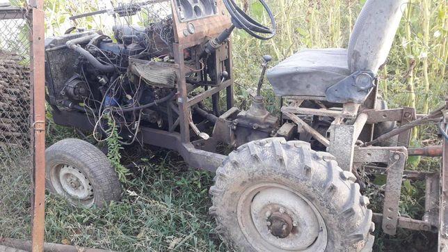 Саморобний міні трактор продається разом з фрезою