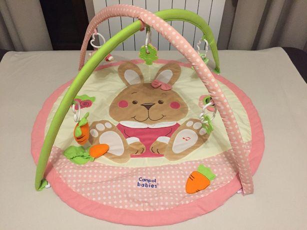 Mata do zabawy z pozytywką Canpol Babies Króliczek dla dziewczynki