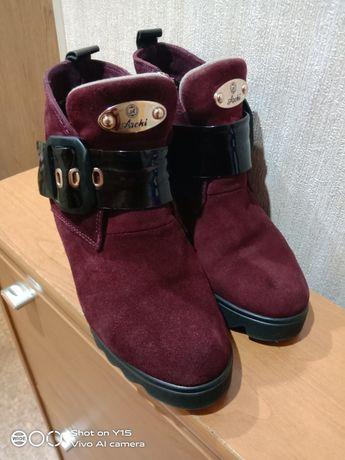 Ботинки жіночі, бу.