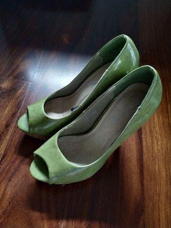 lote de sapatos 35/36